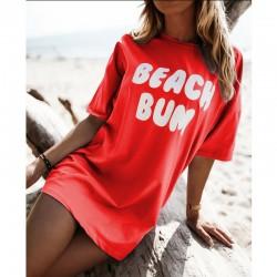 Тренди тениска с атрактивен принт BEACH BUM в червен цвят